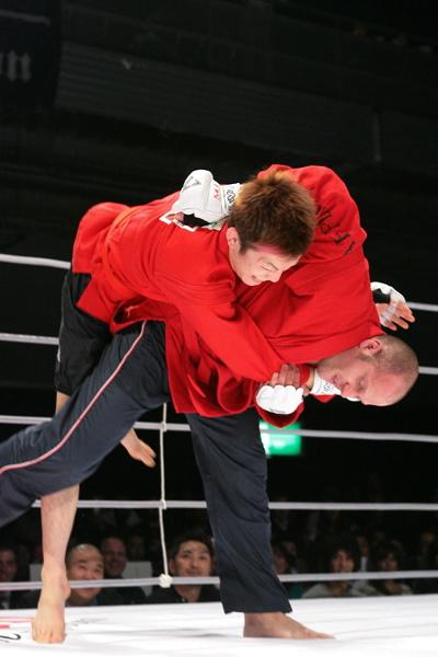 fedor-flips-aoki