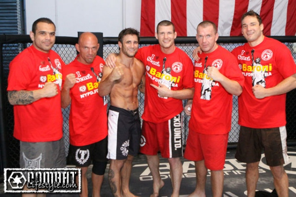 bisping-training-henderson-13