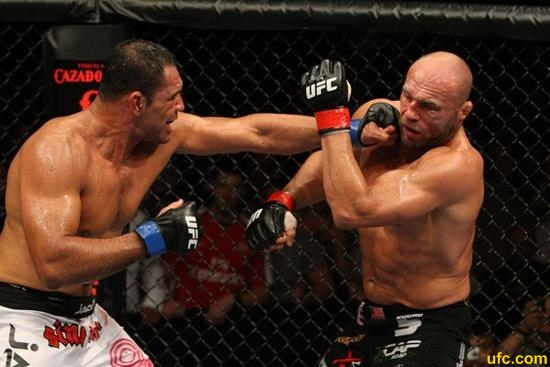 Nogueira vs Couture