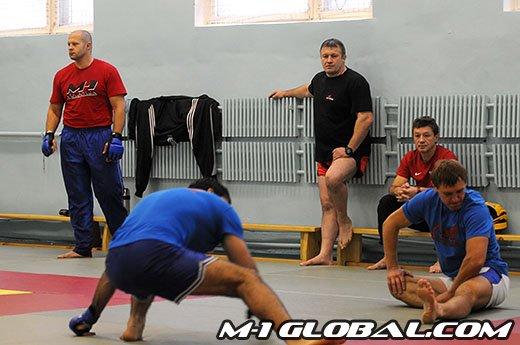 Fedor training Rogers 5