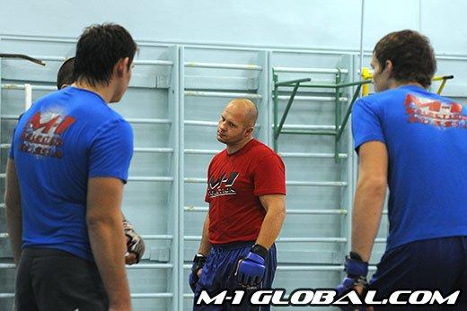 Fedor training Rogers 8