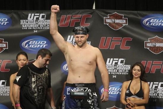 UFC 104 weigh-in 6