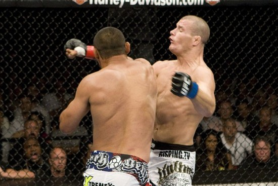 Hendo knocks out Bisping