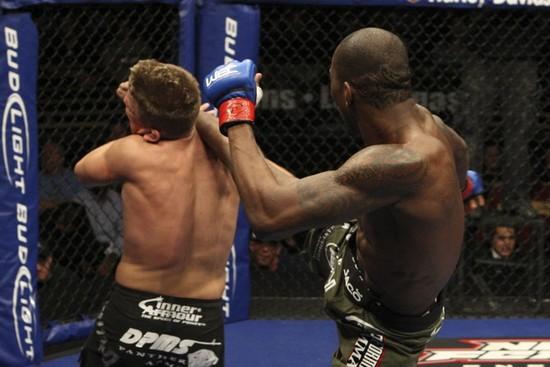 Njokuani knocks out Horodecki