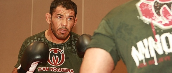 Minotauro Nogueira training- gallery