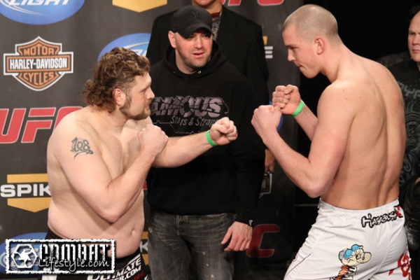 Nelson vs Struve weigh in