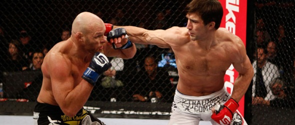 Rockhold punches Jardine- gallery