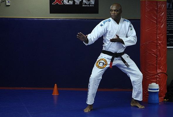 Anderson Silva training UFC pic