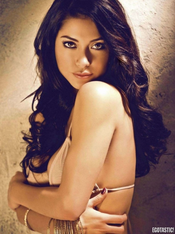 Arianny Celeste FHM Philippines May UFC Pic 3