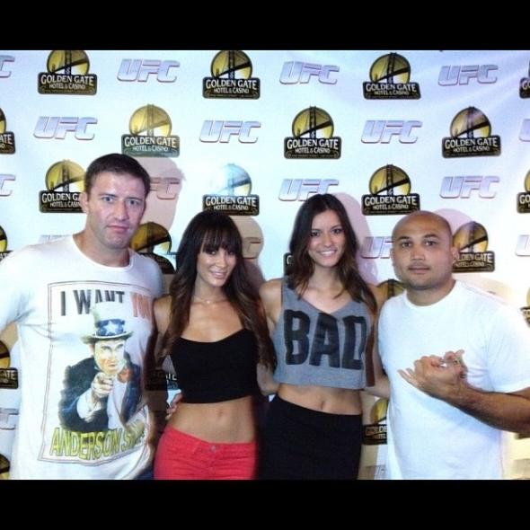 Strikeforce Ring Girl Vanessa Hanson 7