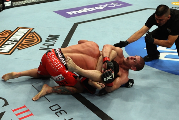 Lauzon submits Varner ufc pic