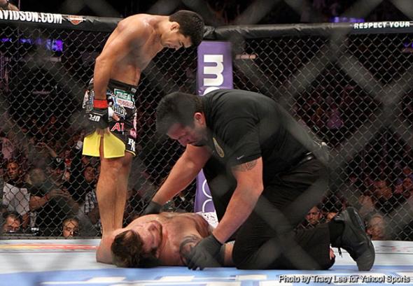 Machida bows after beating Bader