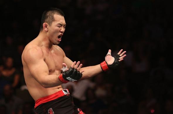 Yushin Okami defeats Buddy Roberts ufc pic