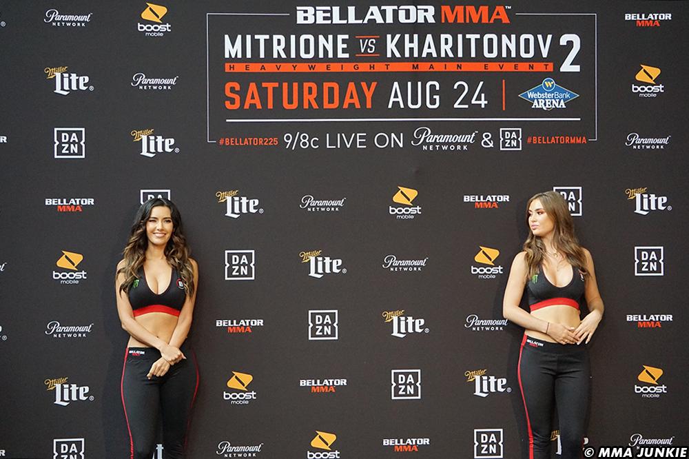 Bellator-225-Cage-girls-1