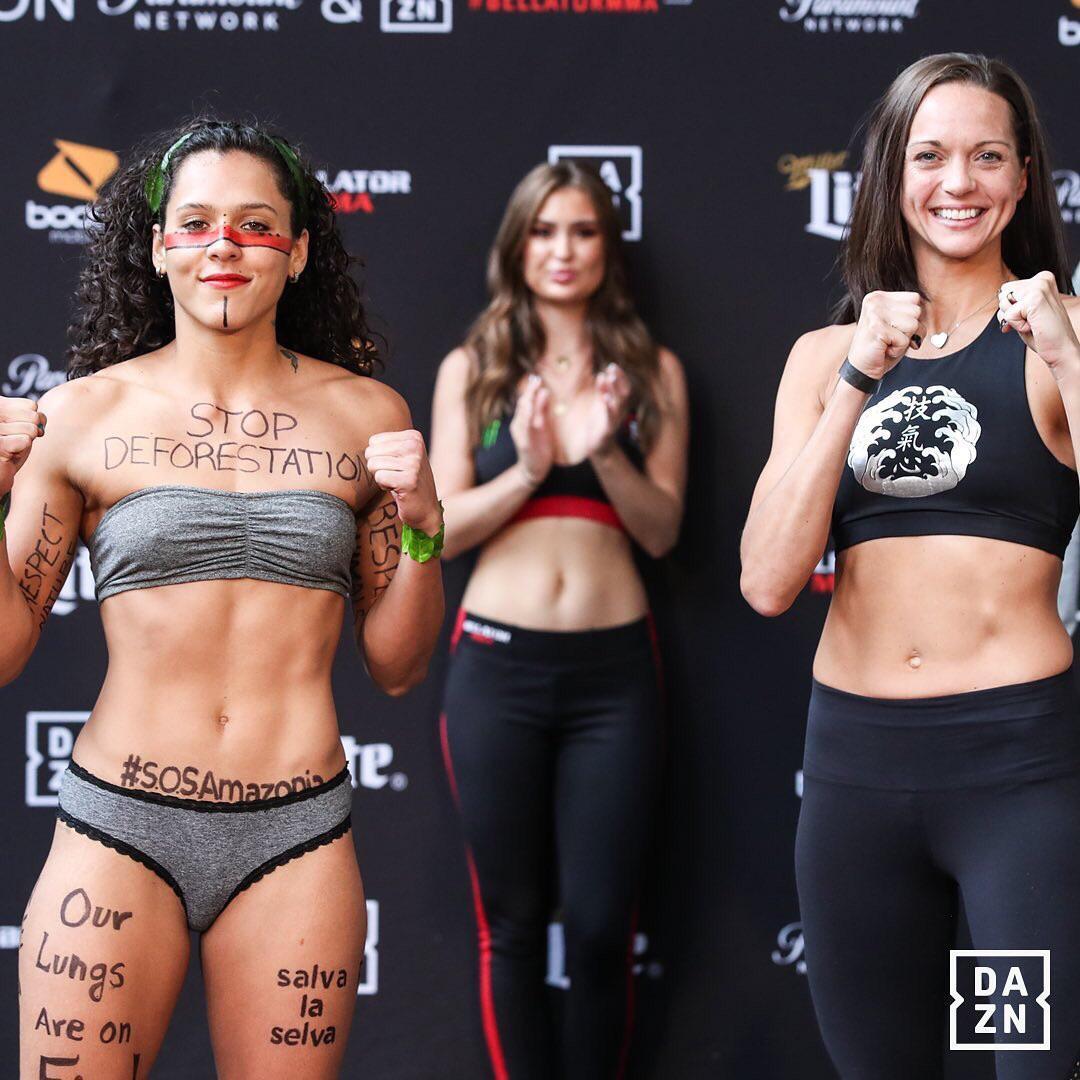 Bellator-225-Cage-girls-4-Louise-Mckie